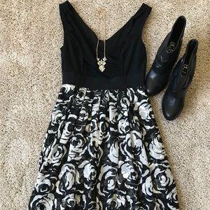 White House Black Market dress. Size 4.